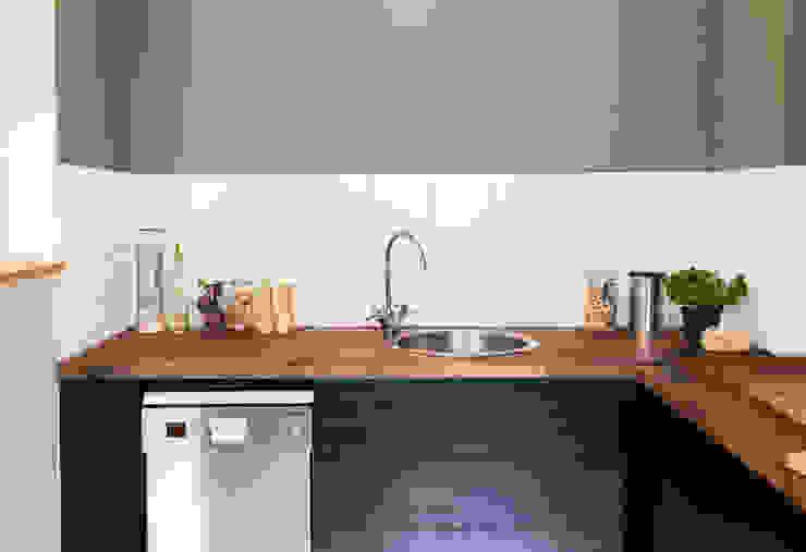Matthiass Home Sweet Home Adeline Labord Interiors Minimalistische Küchen Holz Grün