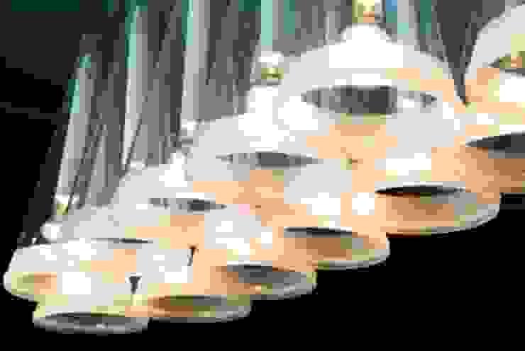 Candeeiro de Tecto Salas de jantar modernas por Andreia Marques Designer de Interiores Moderno Vidro