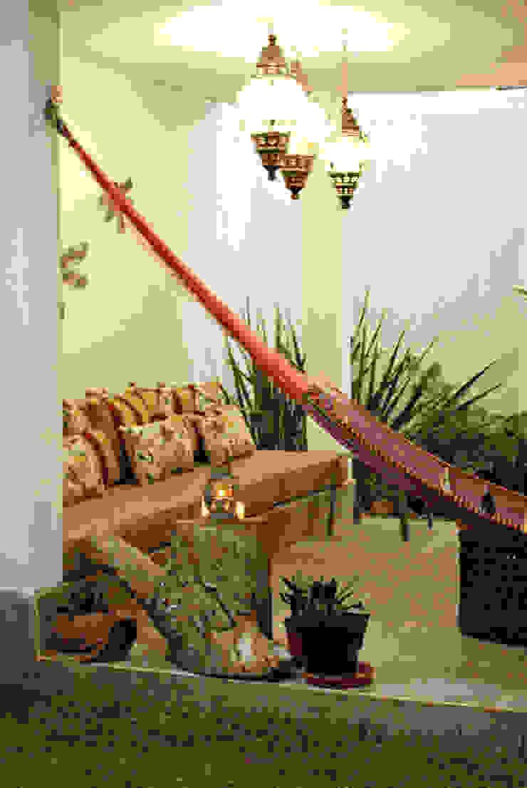 Nomada Design Studio Balcone, Veranda & Terrazza in stile eclettico