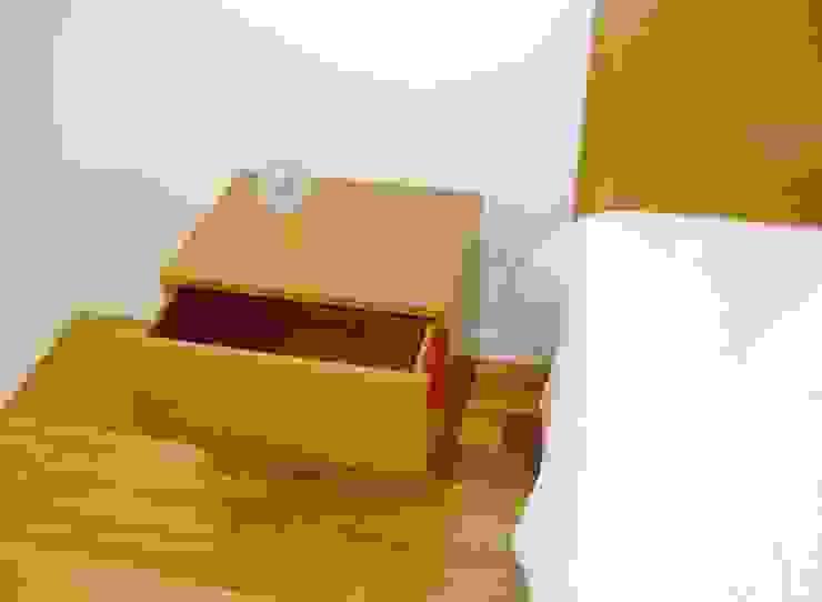 Renato Fernandes - arquitetura DormitoriosMesillas de noche Madera maciza Acabado en madera