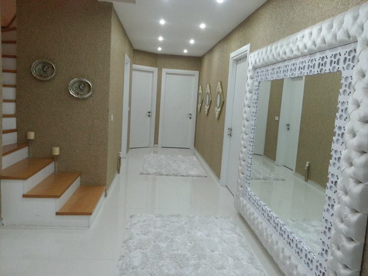 Pasillos, vestíbulos y escaleras de estilo moderno de Derin İnşaat ve Mimarlık Moderno