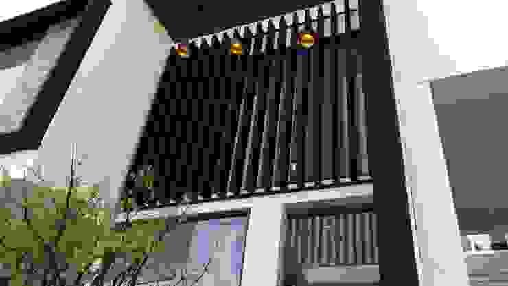 PASEO DE LAS CORDILLERAS 11, lomas de angelopolis Casas modernas de bageti proyectos Moderno Vidrio