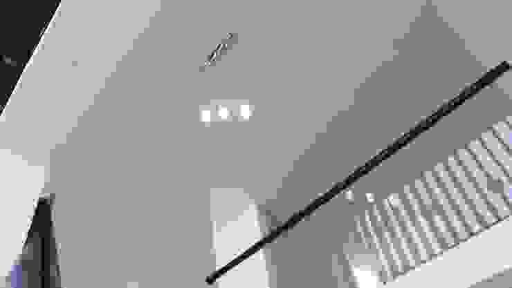 PASEO DE LAS CORDILLERAS 11, lomas de angelopolis Salones modernos de bageti proyectos Moderno