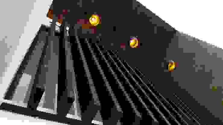 PASEO DE LAS CORDILLERAS 11, lomas de angelopolis Casas modernas de bageti proyectos Moderno Metal