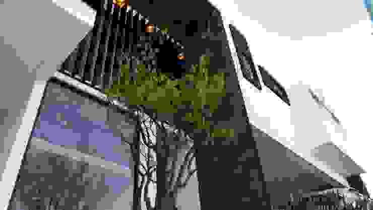 PASEO DE LAS CORDILLERAS 11, lomas de angelopolis Casas modernas de bageti proyectos Moderno