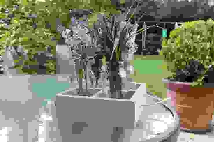 Arreglos para Flores:  de estilo  por Punto&Casa, Rústico