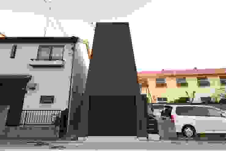 現代房屋設計點子、靈感 & 圖片 根據 関口太樹+知子建築設計事務所 現代風 石器