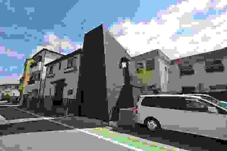 外観 モダンな 家 の 関口太樹+知子建築設計事務所 モダン 石