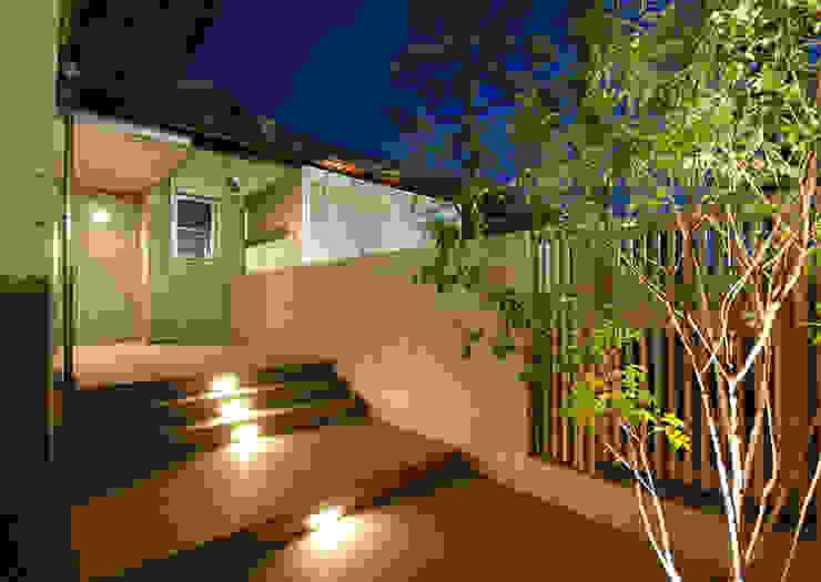もう一つの玄関 モダンスタイルの 玄関&廊下&階段 の 株式会社 中村建築設計事務所 モダン
