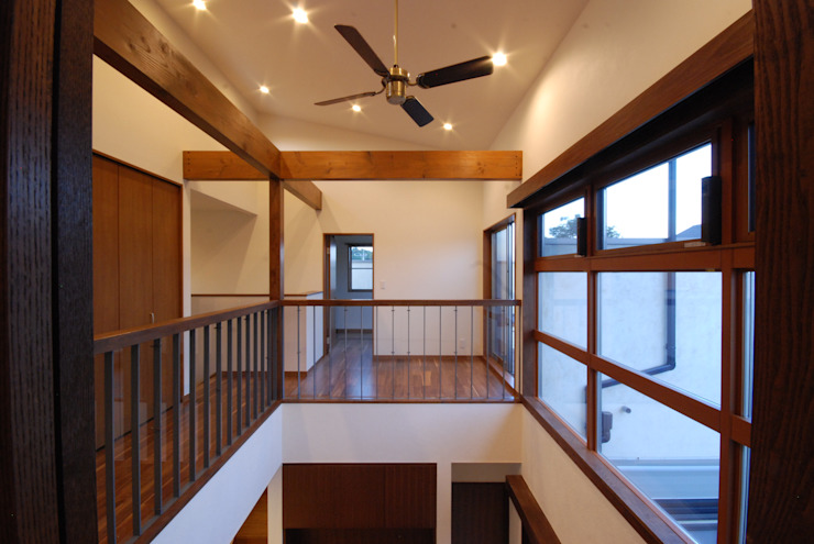 Chambre d'enfant moderne par 株式会社 中村建築設計事務所 Moderne