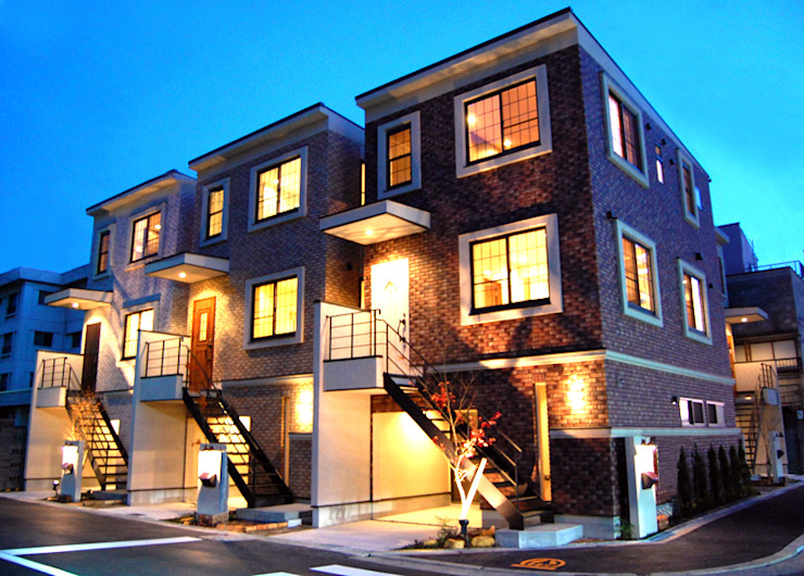 外観 有限会社スタイラス / THE HOUSE OF STYLUS オリジナルな 家 レンガ ブラウン