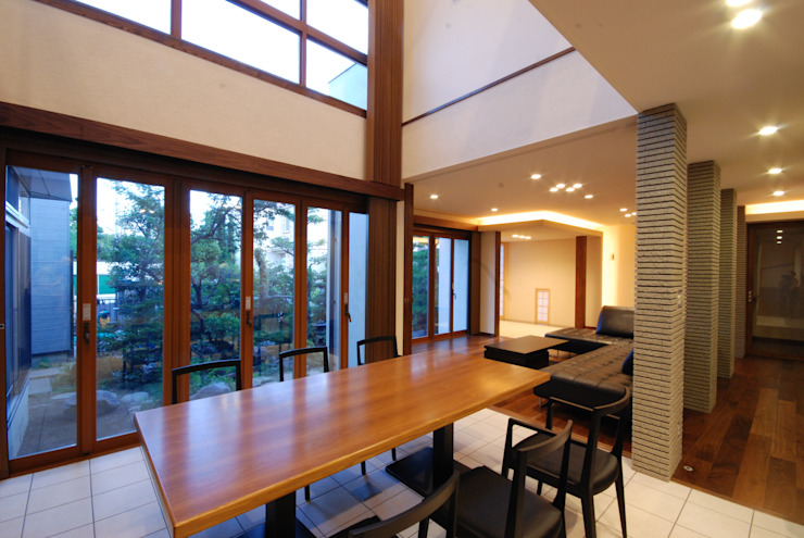 Cocinas de estilo moderno de 株式会社 中村建築設計事務所 Moderno