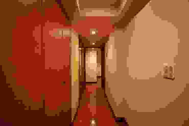 ビフォー玄関: 株式会社 中村建築設計事務所が手掛けたアジア人です。,和風