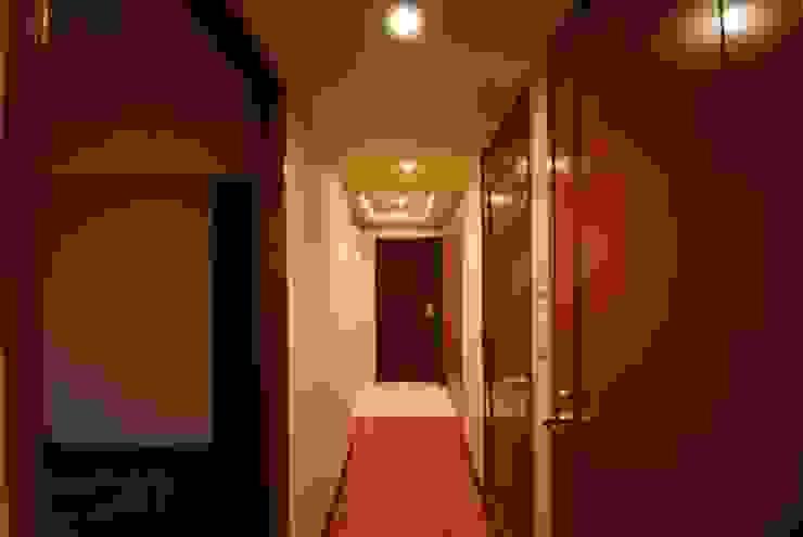 ビフォー 玄関: 株式会社 中村建築設計事務所が手掛けたアジア人です。,和風