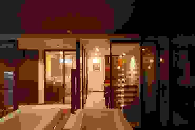 アフタートイレ: 株式会社 中村建築設計事務所が手掛けたアジア人です。,和風