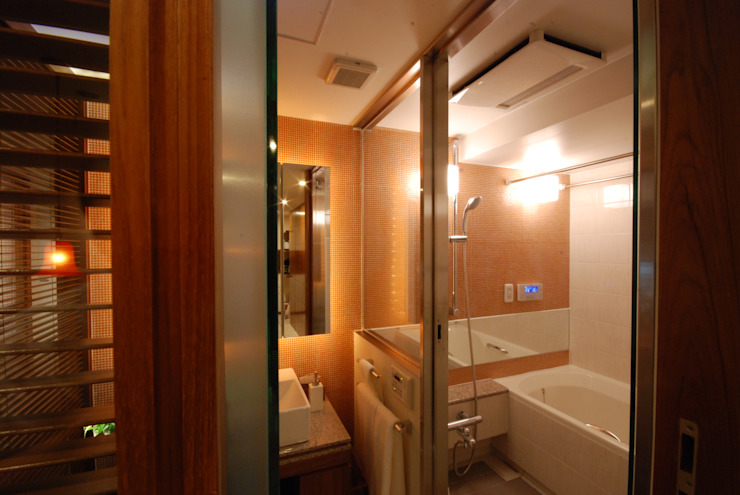 アフター 浴室と洗面: 株式会社 中村建築設計事務所が手掛けたアジア人です。,和風