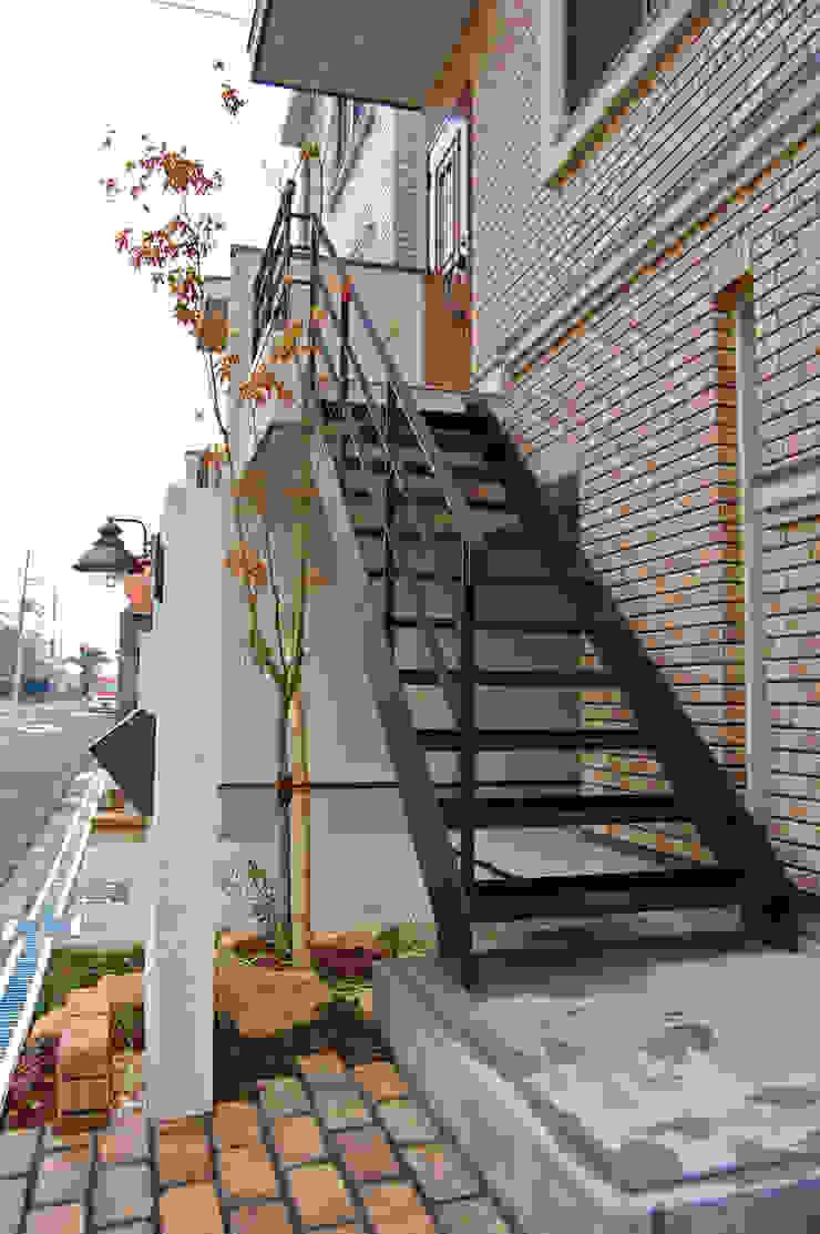 外階段 オリジナルな 家 の 有限会社スタイラス / THE HOUSE OF STYLUS オリジナル 鉄/鋼