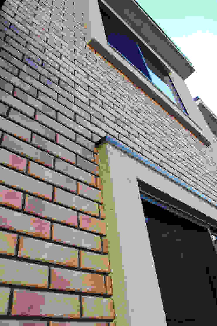 外壁レンガ オリジナルな 家 の 有限会社スタイラス / THE HOUSE OF STYLUS オリジナル レンガ