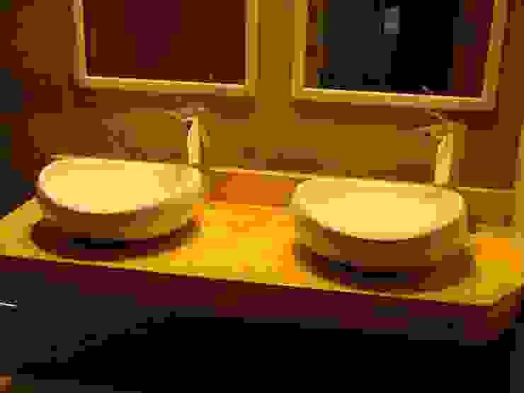 Casa Nacarino-Pozo: Baños de estilo  de EPG-Arquitécnico, Moderno