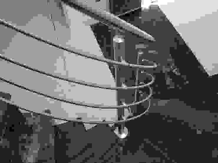 Pasillos, vestíbulos y escaleras de estilo moderno de EPG-Arquitécnico Moderno