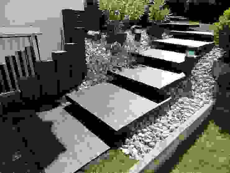 Jardin moderne par MM NATURSTEIN GMBH Moderne