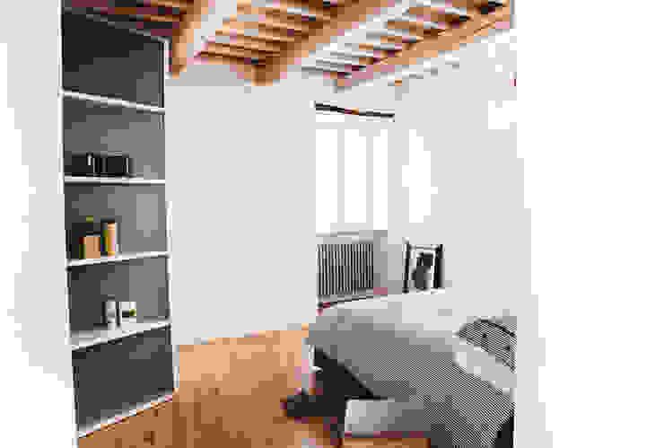 Phòng ngủ phong cách Địa Trung Hải bởi Ossigeno Architettura Địa Trung Hải