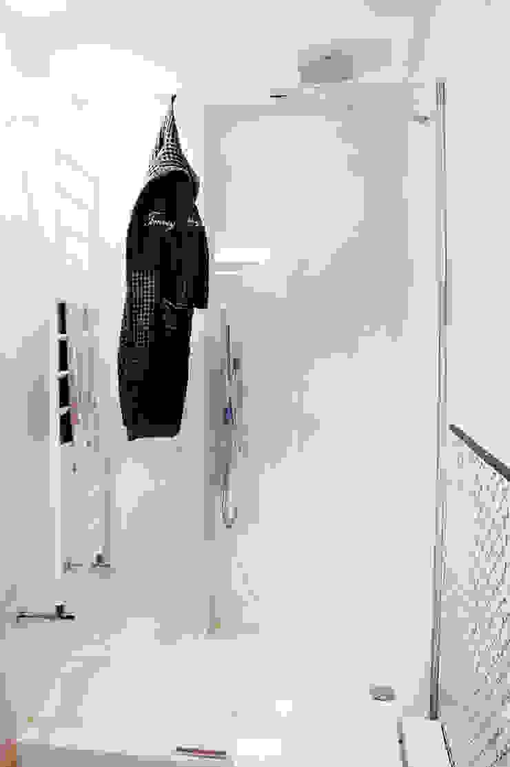 Phòng tắm phong cách Địa Trung Hải bởi Ossigeno Architettura Địa Trung Hải