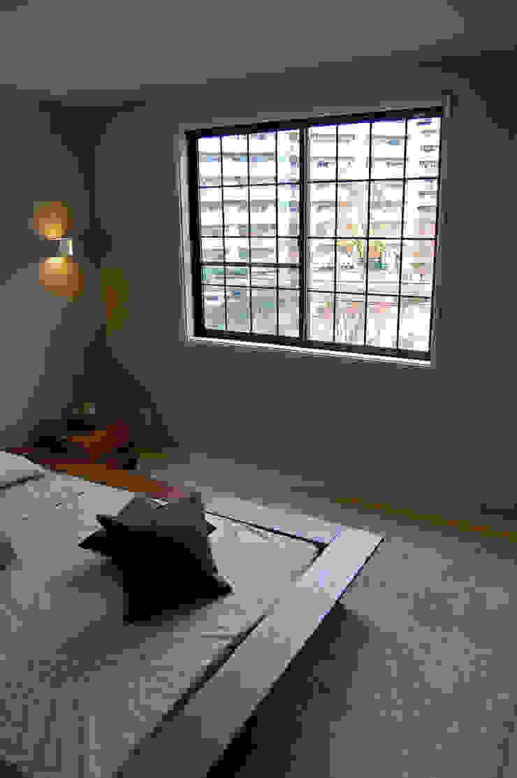 New York Style 自由の国からきた「私らしい」暮らし。アパートメントハウス・3F オリジナルスタイルの 寝室 の 有限会社スタイラス / THE HOUSE OF STYLUS オリジナル 木 木目調