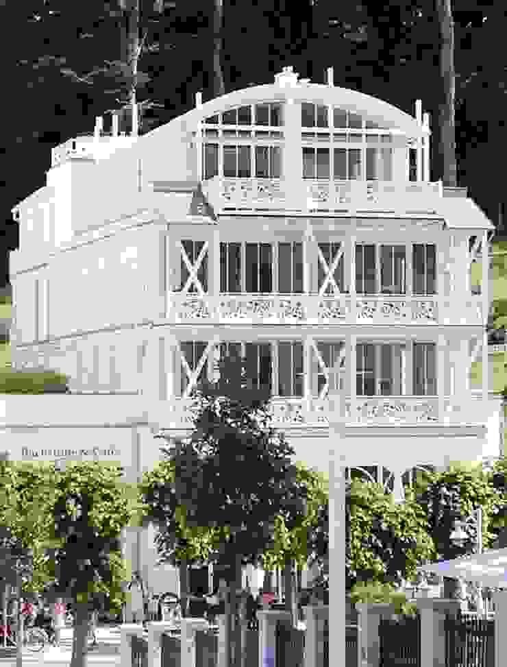 JWD Concept GmbH Balconies, verandas & terracesPlants & flowers