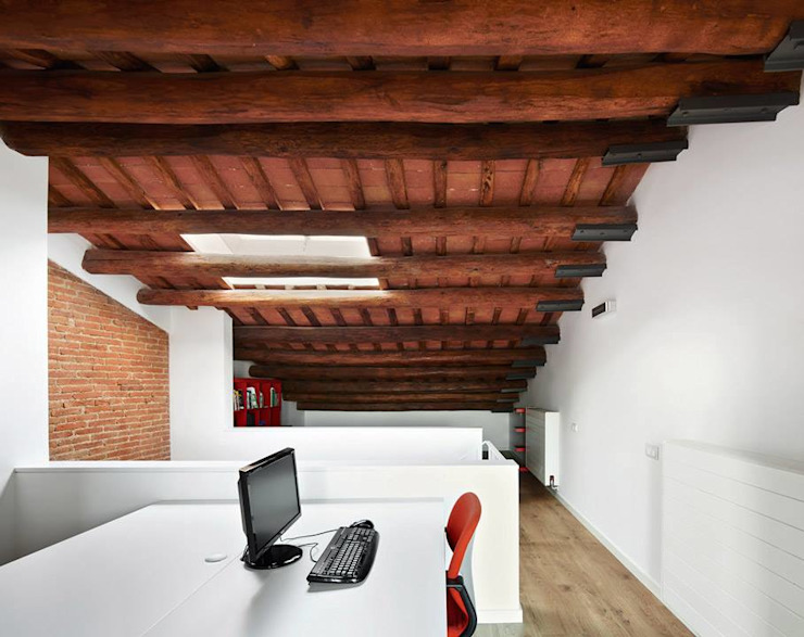Study/office by Vallribera Arquitectes, Minimalist