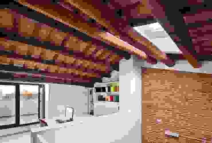 Studeerkamer/kantoor door Vallribera Arquitectes, Minimalistisch