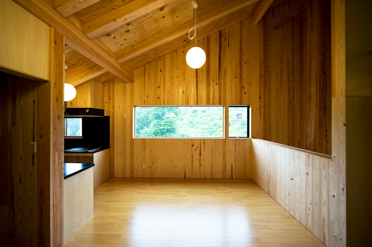 Dining room by 山本想太郎設計アトリエ, Eclectic Wood Wood effect