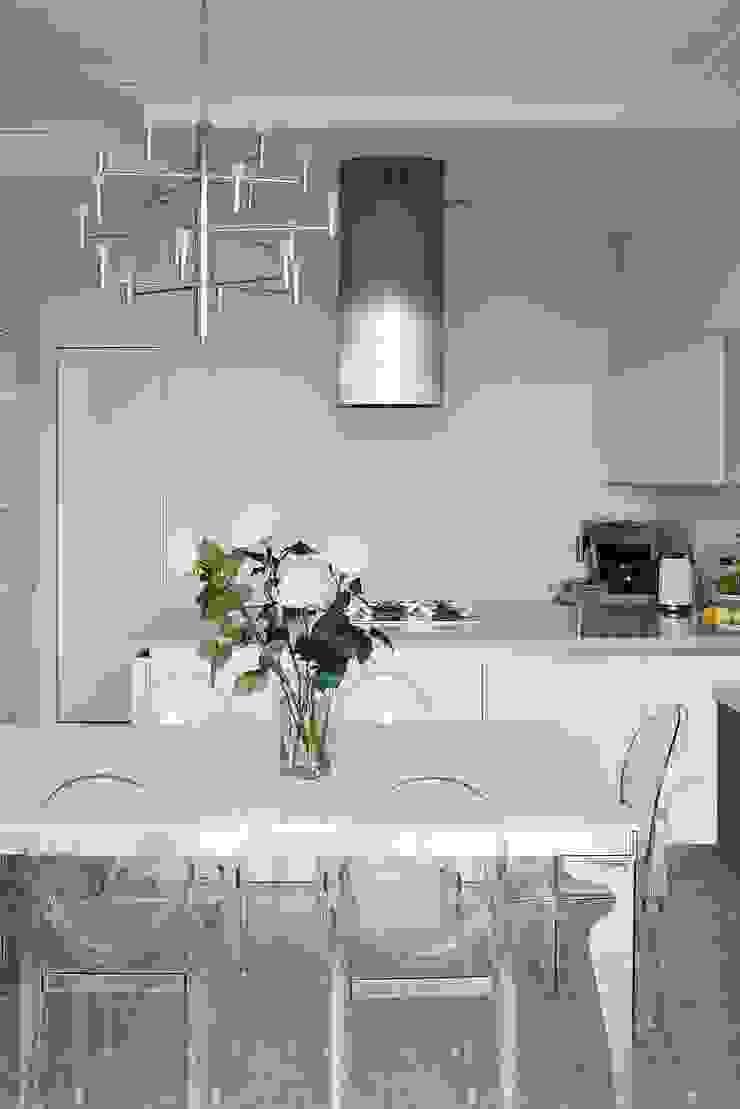 Белая классика Кухня в классическом стиле от Address Классический