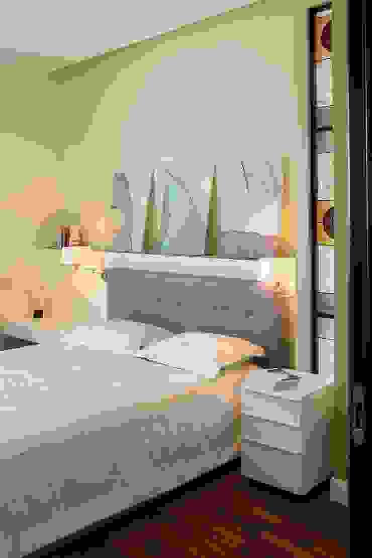 Белая классика Спальня в классическом стиле от Address Классический