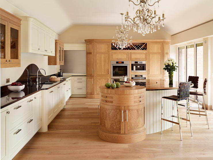 Canterbury | Solid Oak, Hand Painted Kitchen Davonport Kitchen White