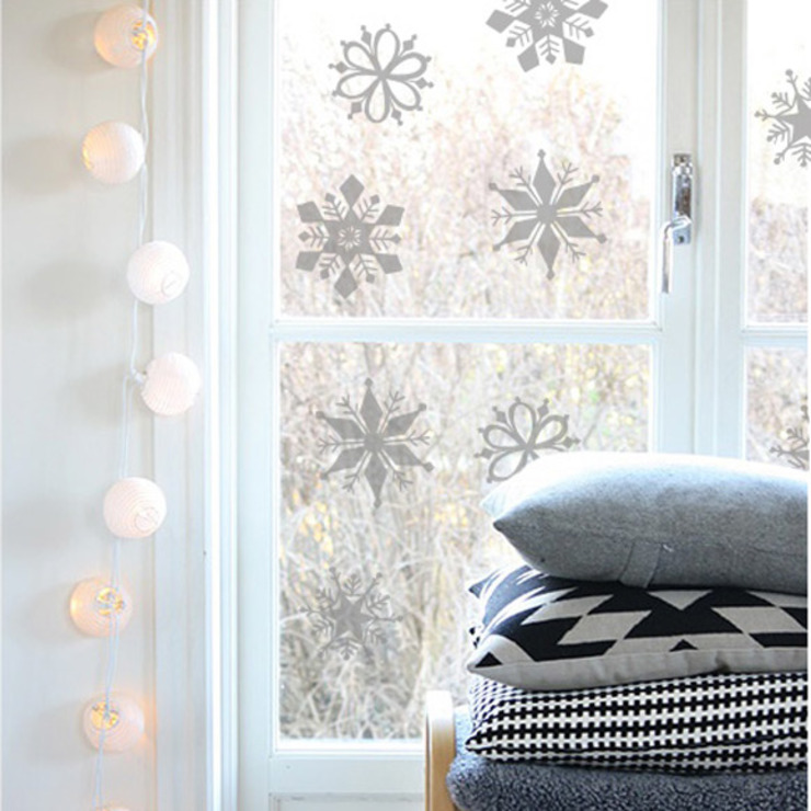 Snowflake Christmas decoration window stickers: modern  by Vinyl Impression, Modern