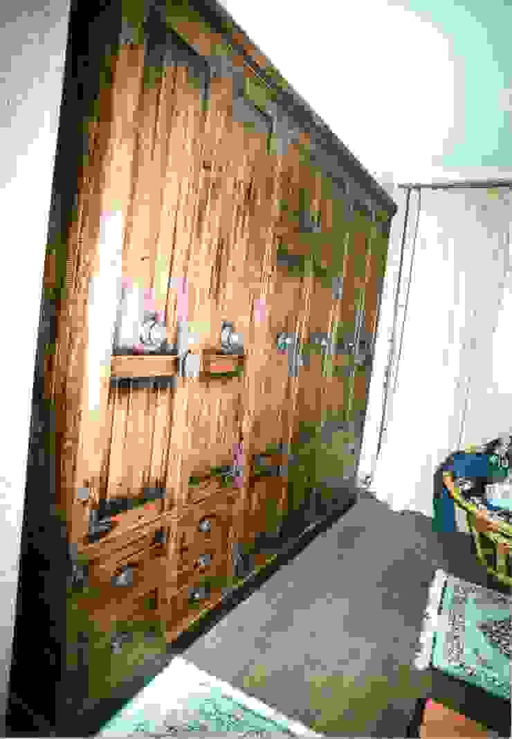 Мебельная мастерская Александра Воробьева СпальняШафи і шафи Дерево