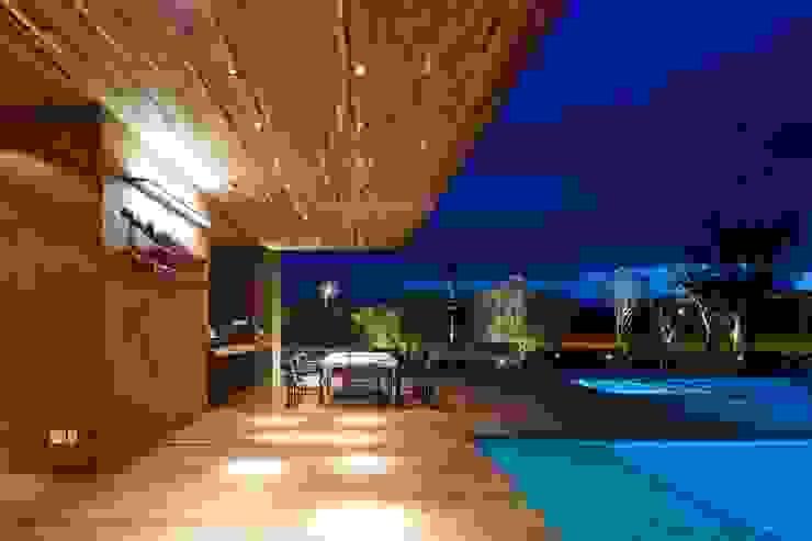 Casa Capitão do Mato Piscinas modernas por Hermanny Arquitetura Moderno