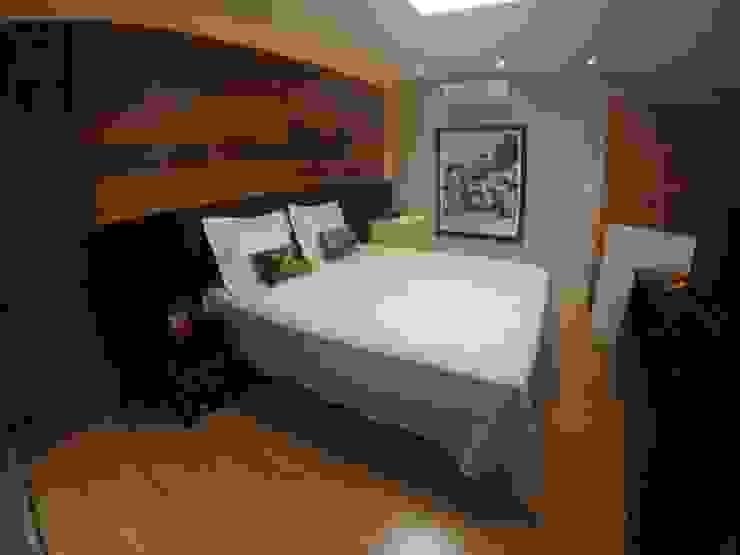 Modern style bedroom by LMT Arquitetura Modern Wood Wood effect