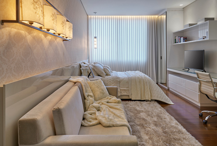 Bedroom by Estela Netto Arquitetura e Design, Classic