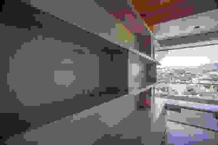 Departamento en Bosque Real Estudios y despachos modernos de RTZ-Arquitectos Moderno