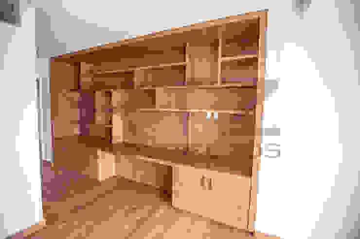 Mueble en recamara de RTZ-Arquitectos Moderno Madera Acabado en madera