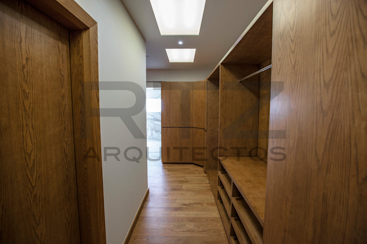 vestidor principal Vestidores modernos de RTZ-Arquitectos Moderno