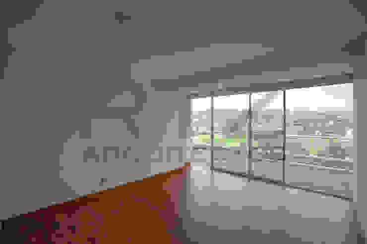 acabados en recamaras Dormitorios modernos de RTZ-Arquitectos Moderno