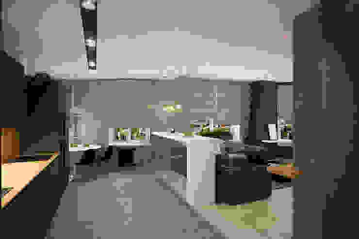 Гостиная в стиле лофт Гостиная в стиле лофт от Solo Design Studio Лофт