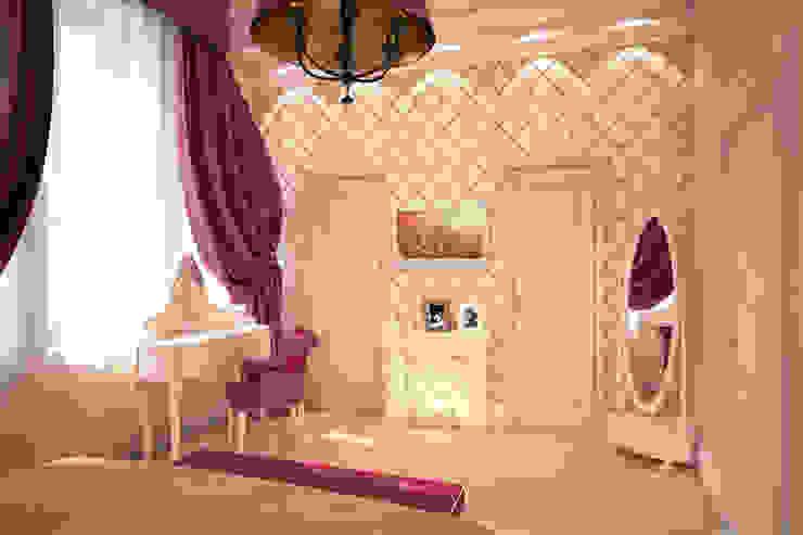 Роскошь цвета фуксии Спальня в классическом стиле от Solo Design Studio Классический