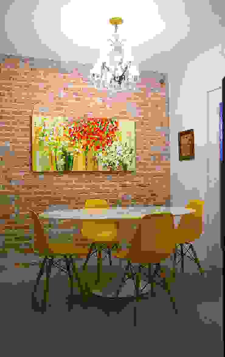 Кухня в стиле модерн от Superstudiob Модерн Кирпичи