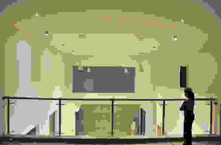 Detalle de doble Altura: Terrazas de estilo  por fc3arquitectura, Moderno