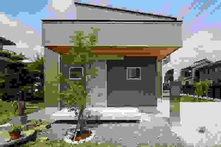 Modern home by 株式会社kotori Modern