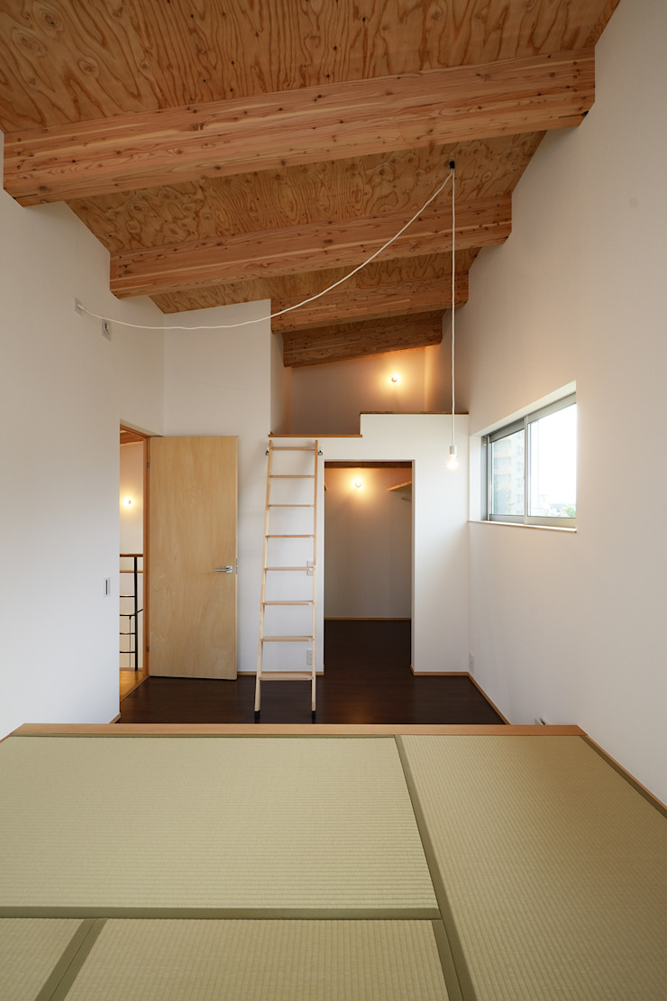 末広通の家 モダンスタイルの寝室 の 株式会社kotori モダン